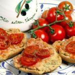 Friseddha salentina olio e pomodori