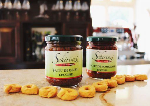 Produzione del Patè di olive nere Celline del Salento e come usarlo a tavola