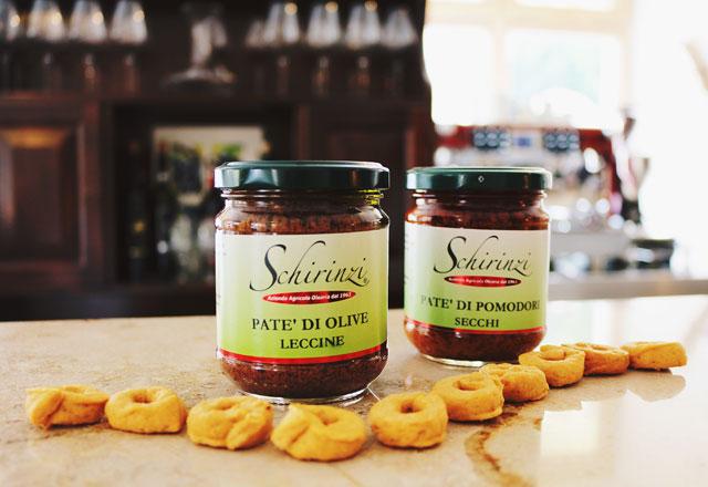 Produzione Patè di olive nere Celline del Salento e come usarlo a tavola