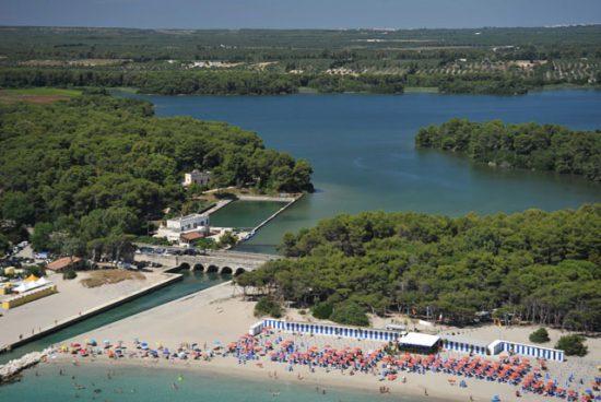Le spiagge e i laghi Alimini di Otranto