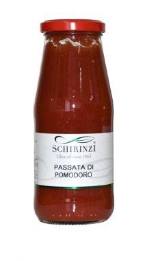 Passata di pomodoro rossa artigianale del Salento
