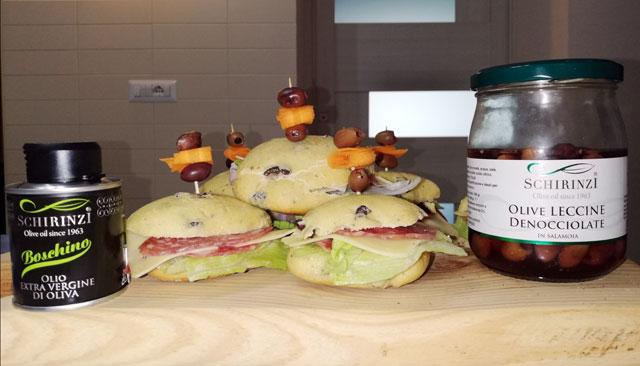 Le Olive Leccine denocciolate in salamoia con la puccia salentina